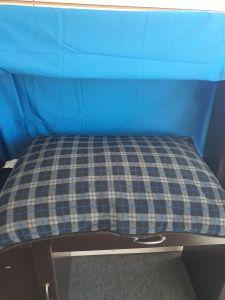 Dana Zoo Pillow Bed Blue/Black Plaid